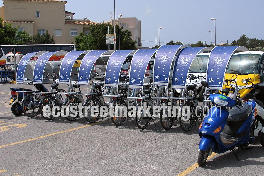 Flota de bicicletas publicitarias en Ibiza