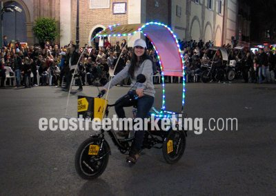 Triciclo con luces ideal para eventos