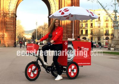 Triciclo food bike sampling barcelona